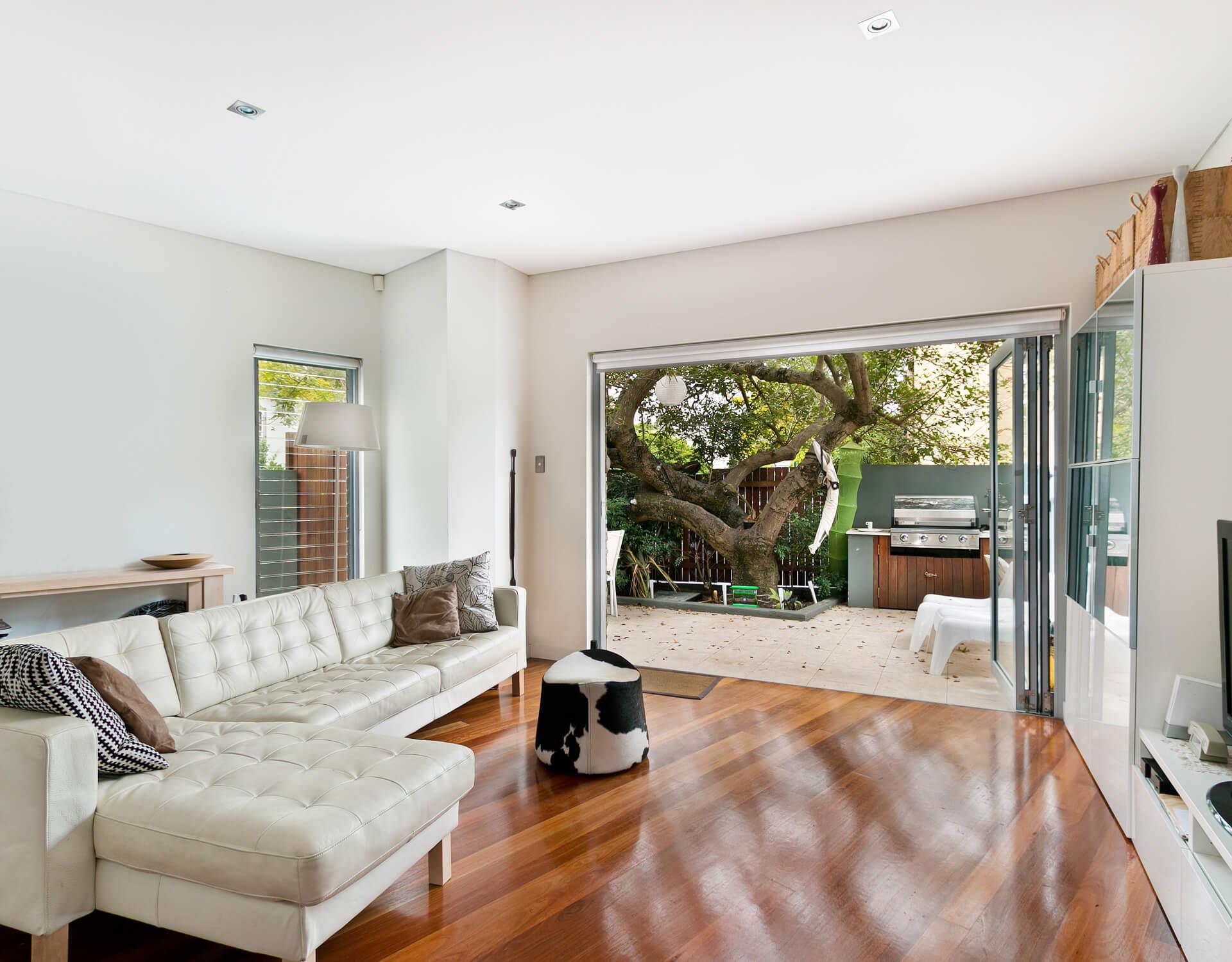 Modern Living Room 03